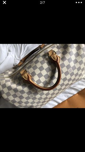 Louis Vuitton speedy bag NOT LOWERING PRICE for Sale in Chicago, IL
