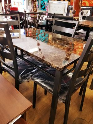 Table with 4 chairs for Sale in Hickory Hills, IL