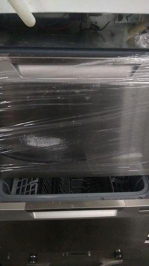 Fisker and paykal dishwasher for Sale in Puyallup, WA