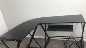 Computer desk for Sale in Evansville, IN