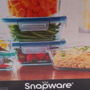 18 Piece Set Snapware Pyrex Glass for Sale in Everett, WA