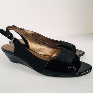 Women's Shoes Stuart Madeline Size 8 1/2 Color: Patent Leather Pre-Own Box for Sale in St. Louis, MO