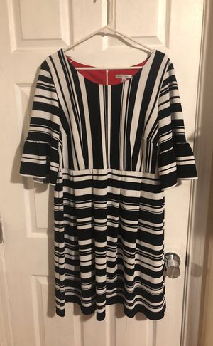 Black and white striped 14W dress by SANDRA DARREN, never worn! for Sale in San Francisco, CA