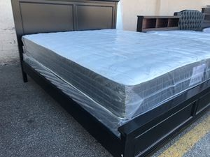CALIFORNIA KING SIZE BED (MATTRESS INCLUDED) for Sale in Paramount, CA
