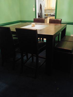 Dinning room set (very heavy duty) for Sale in Fayetteville, GA