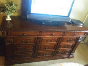 Bedroom set (must Pick Up) OBO for Sale in Woodbridge, VA