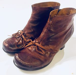 Anthropology Everybody BZ MODA Granny Bow Leather Ankle Boots Sz 39.5 for Sale in Seattle, WA