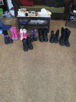 Snow boots 15.00 a pair men size 9. 7. 10. 8. Small kids size 1. 1. 13. 2 15.00 a pair for Sale in Stockton, CA