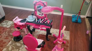 Child Princess Vanity for Sale in Etiwanda, CA