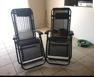 Set of 2 Zero Gravity Out Door Lounge Chairs for Sale in Colorado Springs, CO