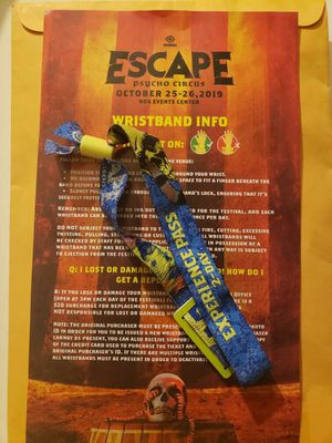 ESCAPE 2 DAY PASS PSYCHO CIRCUS for Sale in Hawthorne, CA