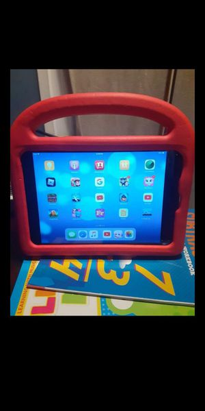 iPad mini works good for Sale in Forest Heights, MD