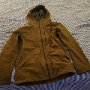 PATAGONIA Waterproof Mens Snowshot Jacket Size M for Sale in Franklin Park, IL