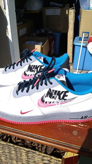 Very excellent condition Nike air for Sale in Stockton, CA