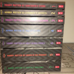 complete harry potter book series for Sale in Paramount, CA