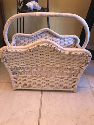 White wicker magazine/towel rack for Sale in Palm Harbor, FL
