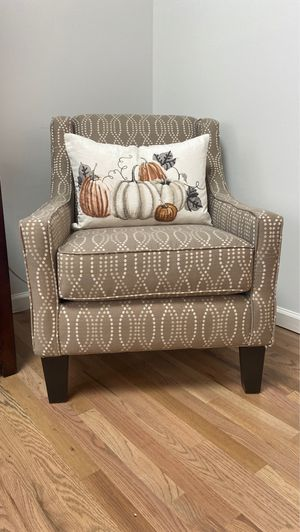 Accent chair for Sale in Lacey Township, NJ