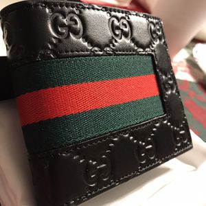 Mens Gucci Wallet Black Red Green Authentic for Sale in Newton, NJ