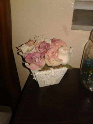 Small flower white flower pot with pink roses for Sale in Saint Petersburg, FL