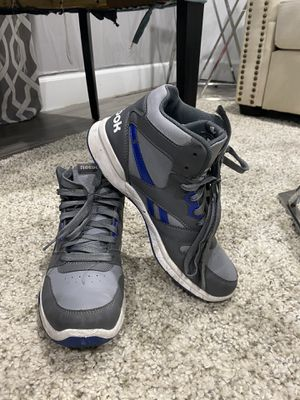 Reebok Sneakers Size 7- MUST PUCK UP for Sale in New York, NY