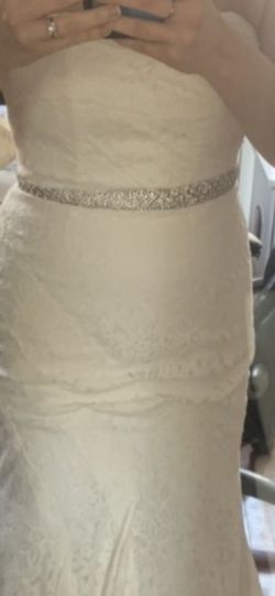Galina Lace Wedding Dress Size 6 for Sale in Carver,  MA