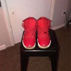 Jordan 11s 8/10 Condition for Sale in New Britain,  CT