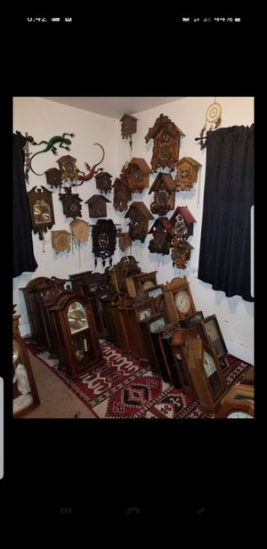 CLOCKS VINTAGE ANTIQUE COOKOO WIND UP ELECTRIC LOTS OF TYPES for Sale in Vallejo, CA