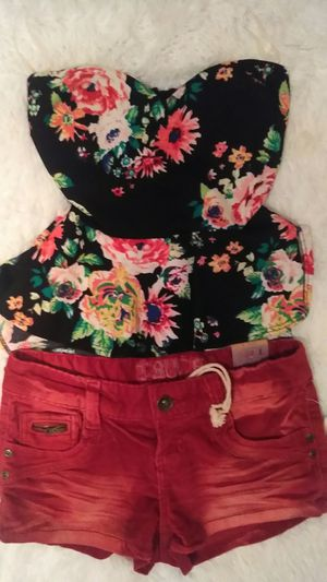 NEW STRAPLESS SHIRT SMALL SZ for Sale in Riverside, CA
