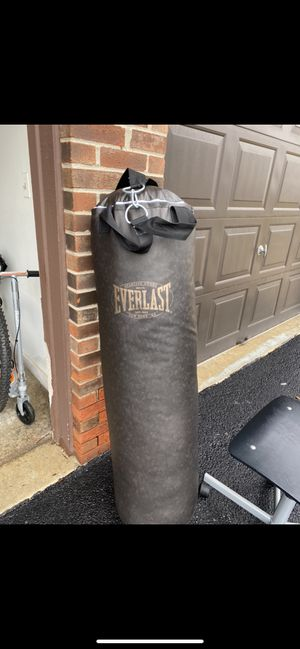 Everlast boxing bag and speed bag with stand for Sale in Palos Park, IL