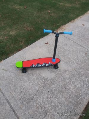 Chillafish Skatieskootie. Customizable Training Skateboard with Detachable Stability Handle for A Learn to Steer Scooter for Sale in McDonough, GA
