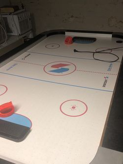 Air Hockey Table That Works for Sale in Copiague,  NY