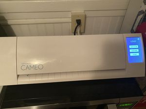 Cameo siglhouette machine plus extras for Sale in Savannah, GA