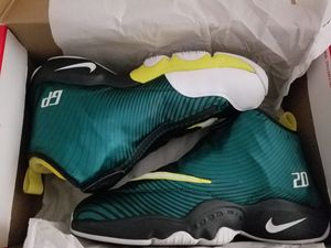 """Gary Payton """"The Glove"""" for Sale in San Diego, CA"""