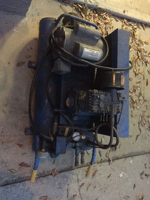 Twin tank compressor for Sale in Zephyrhills, FL