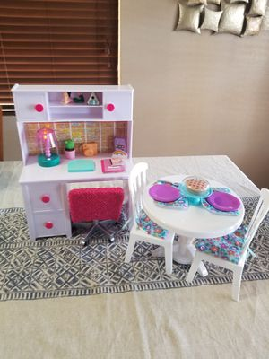 """Desk, table sets to play for 18""""dolls for Sale in Albuquerque, NM"""