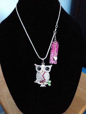 Betsey Johnson beautiful rhinestone owl pendant necklace. Brand new for Sale in Panama City Beach, FL