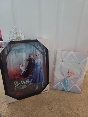 Frozen elsa and Anna pictures for Sale in Joliet, IL