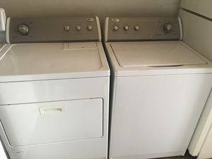 Whirlpool electric washer and dryer for Sale in Dearborn, MI