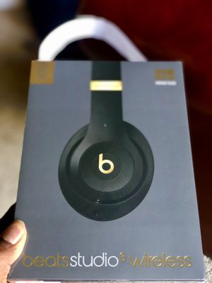 Beats studio 3 by dr. Dre skyline edition for Sale in Lawrence Township, NJ