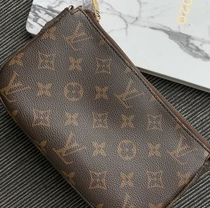 Louis Vuitton Clutch/Makeup Bag for Sale in College Park, MD
