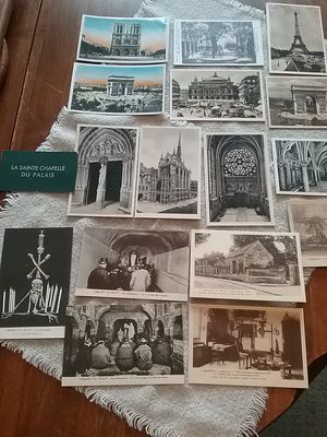 (15) VINTAGE POSTCARDS OF PARIS..Never used!! for Sale in Monroe, WA