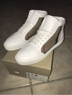 Burberry sneakers for Sale in Chula Vista, CA