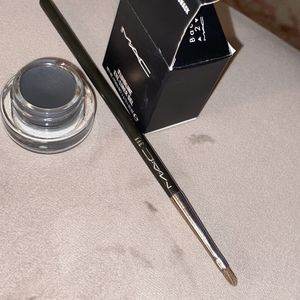 MAC Fluid line And Eyeliner Brush Duo for Sale in Washington, DC