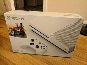 Xbox One S - 500gb battlefield + Charging dock and gaming Headset for Sale in Tacoma, WA