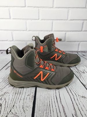 New Balance h2O Hiking Boots Size 6 Unisex for Sale in Victorville, CA