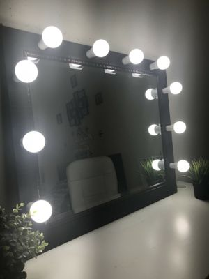 New luxury professional makeup vanity mirror for Sale in Elgin, IL