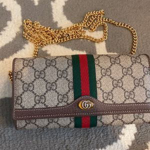 Gucci wallet With Purse Chain for Sale in Pompano Beach, FL