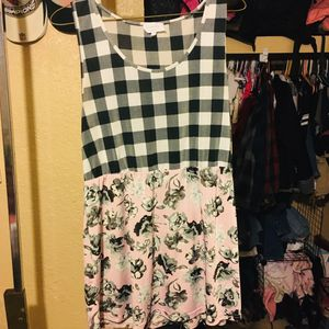 Pink white and black floral/checkered maternity dress size L for Sale in Glendale, AZ