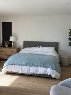 Room&Board Avery Bedframe - California king for Sale in Culver City,  CA