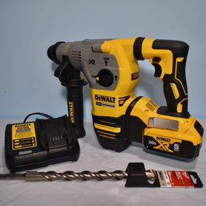 DeWALT 20-Volt MAX XR 1-1/8 in. Cordless SDS-plus Brushless L-Shape Concrete/Masonry Rotary Hammer for Sale in Queens, NY